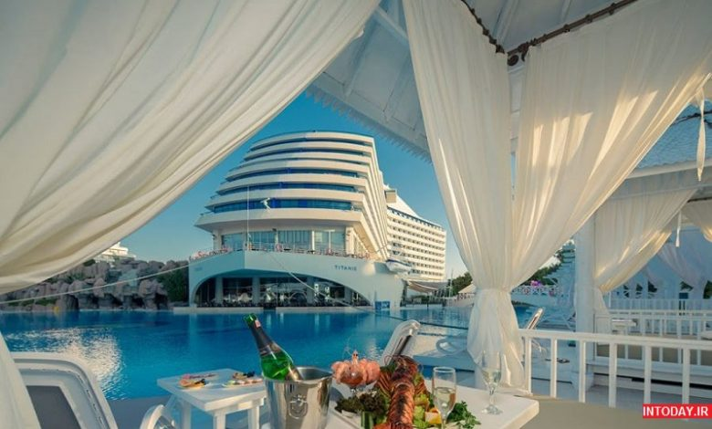 هتل تایتانیک بچ لارا آنتالیا