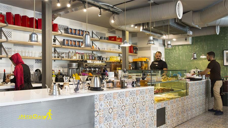 کافه رستوران لانجین ونک