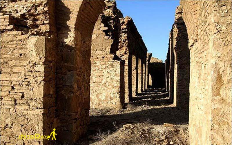 قلعه قمرود از جاذبه های تاریخی قم