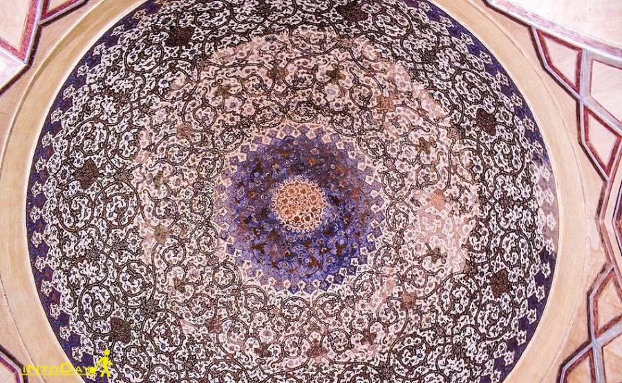 آرامگاه ساروتقی اصفهان و مسجد ساروتقی