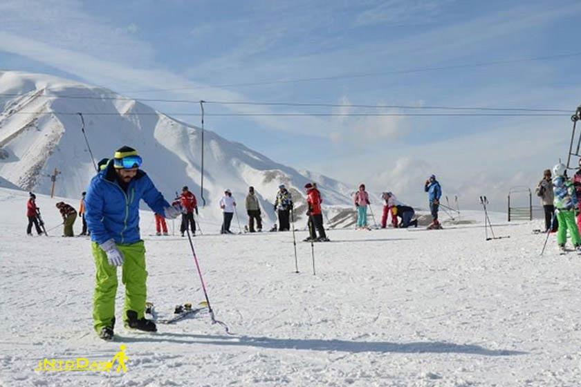 بام تهران در زمستان