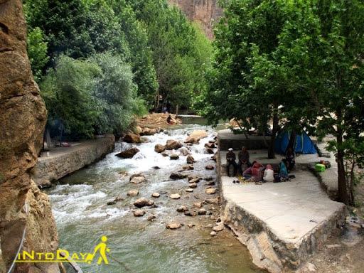 چشمه ناز ونک سمیرم