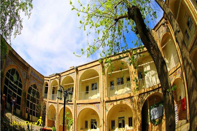 مدرسه و مسجد معمارباشی در محله عودلاجان