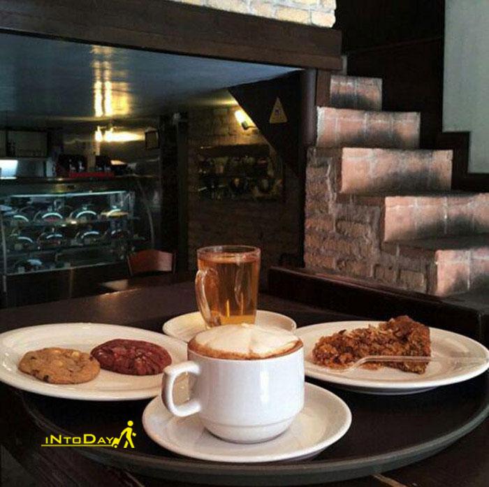 کافه فرانسه مشهورترین در انقلاب