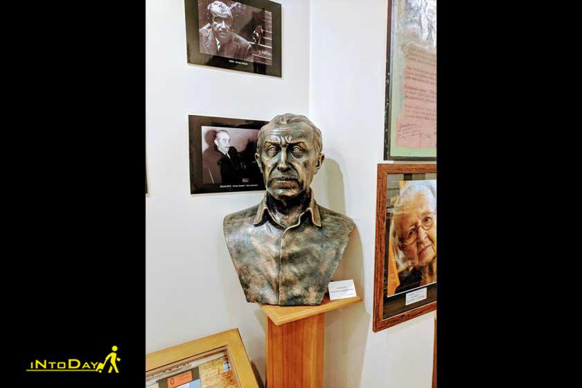 موزه اورهان کمال استانبول