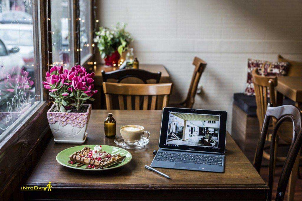 کافه سه لت در منطقه حافظ