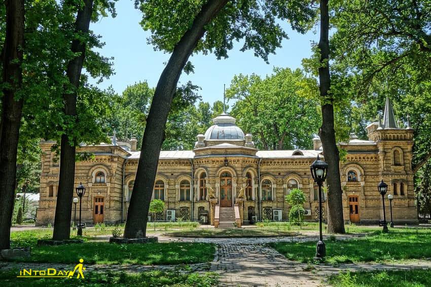 کاخ رومانوف از دیدنی های تاشکند