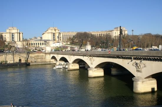 پل ینا پاریس